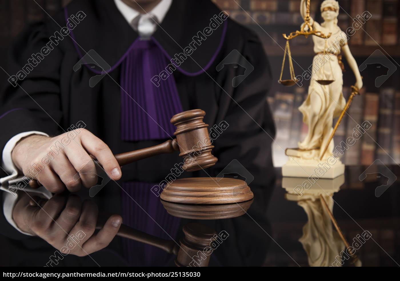 courtroom, , judge, , male, judge, in, black - 25135030