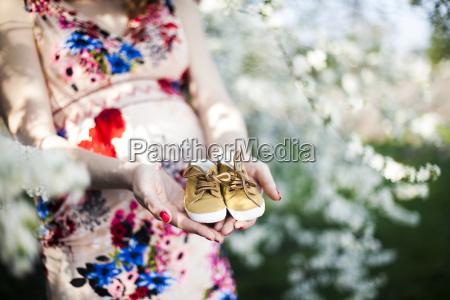 flower, garden, , orchard, , pregnant, woman - 25135754
