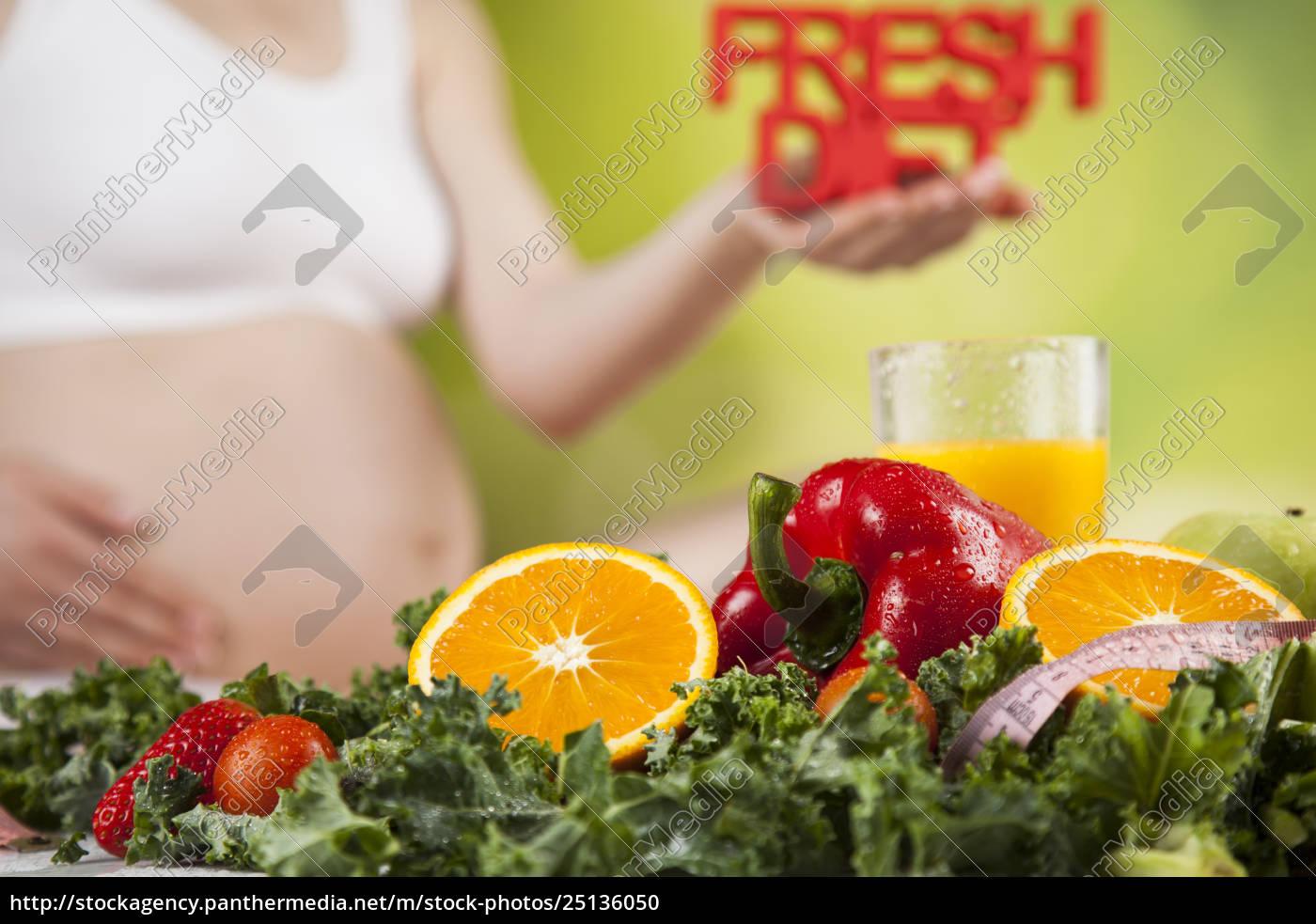pregnant, woman, fruits - 25136050