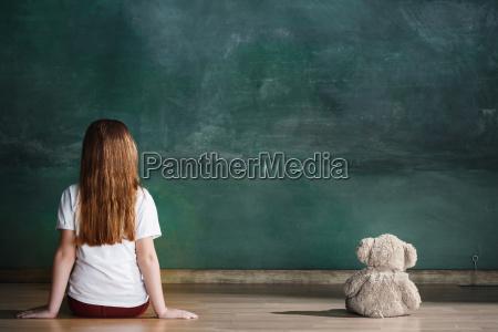 little, girl, with, teddy, bear, sitting - 25137270