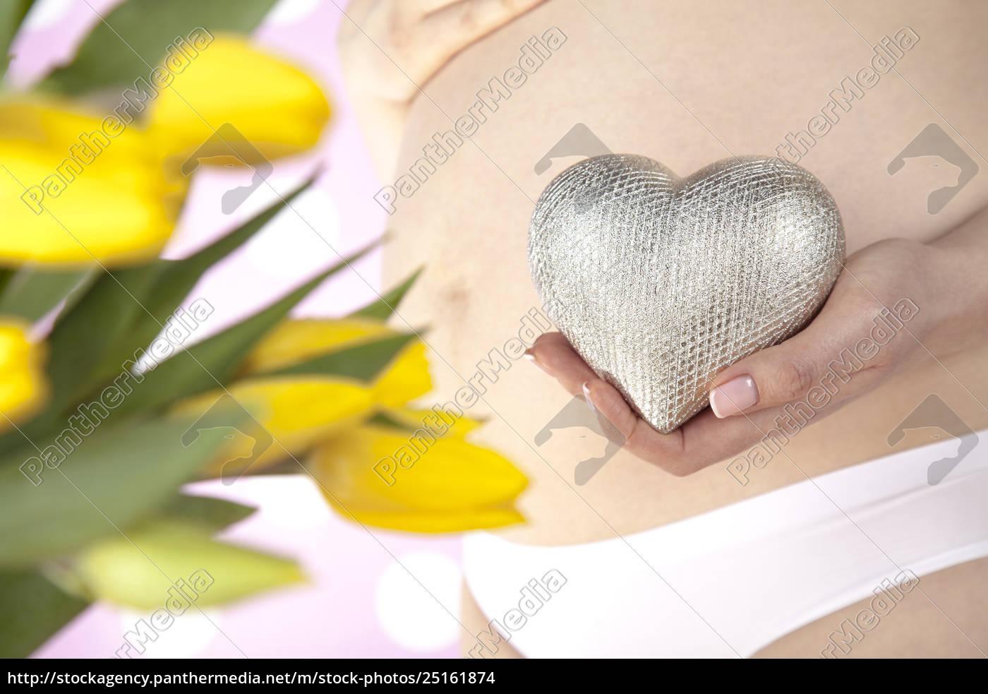 close, up, of, a, cute, pregnant - 25161874