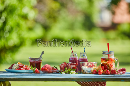 healthy vibrant summer berry desserts picnic
