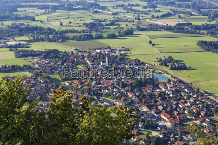 view from petersberg over flintsbach am