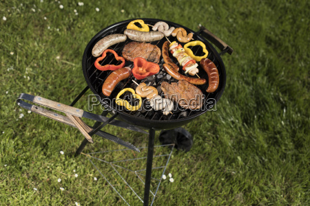 grill, with, smoke, over, summer, outdoor - 25211044