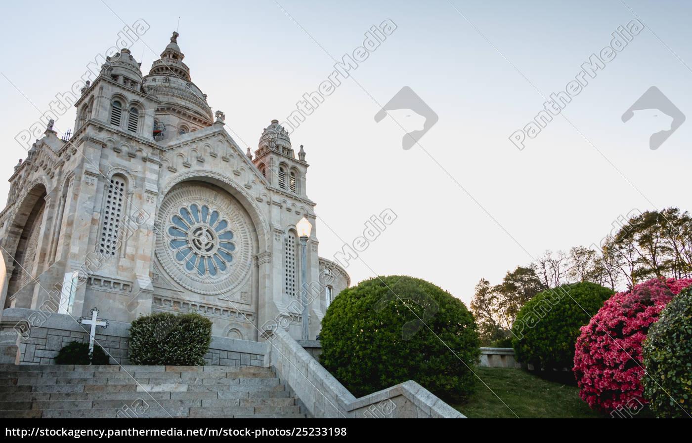 architectural, detail, of, santa, luzia, basilica - 25233198