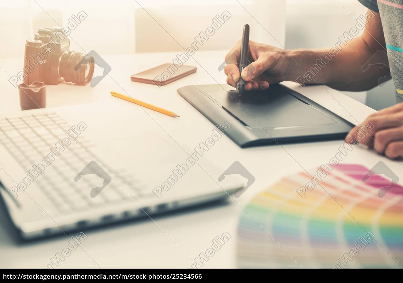 graphic, designer, at, work, in, office - 25234566