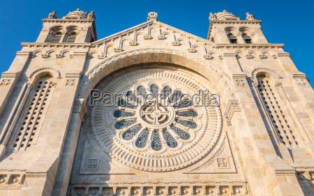 architectural detail of santa luzia basilica