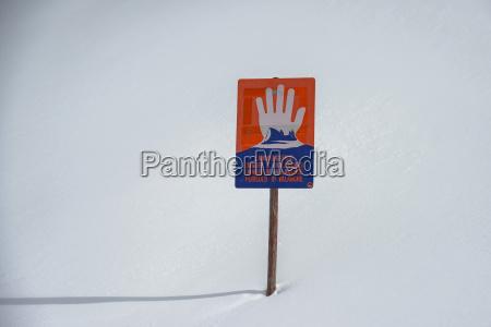 avalanche warning sign