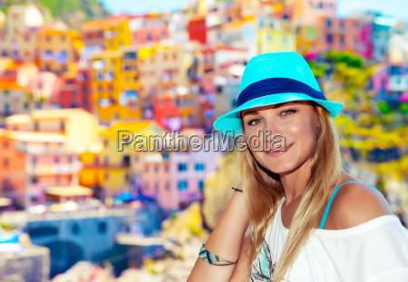 traveler, woman, enjoying, italy - 25293452