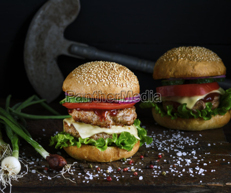 double, burger, with, vegetables, and, cheese - 25301632