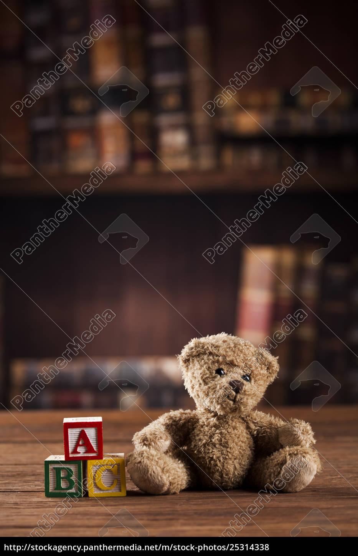 teddy, bear, on, on, vintage, wooden - 25314338