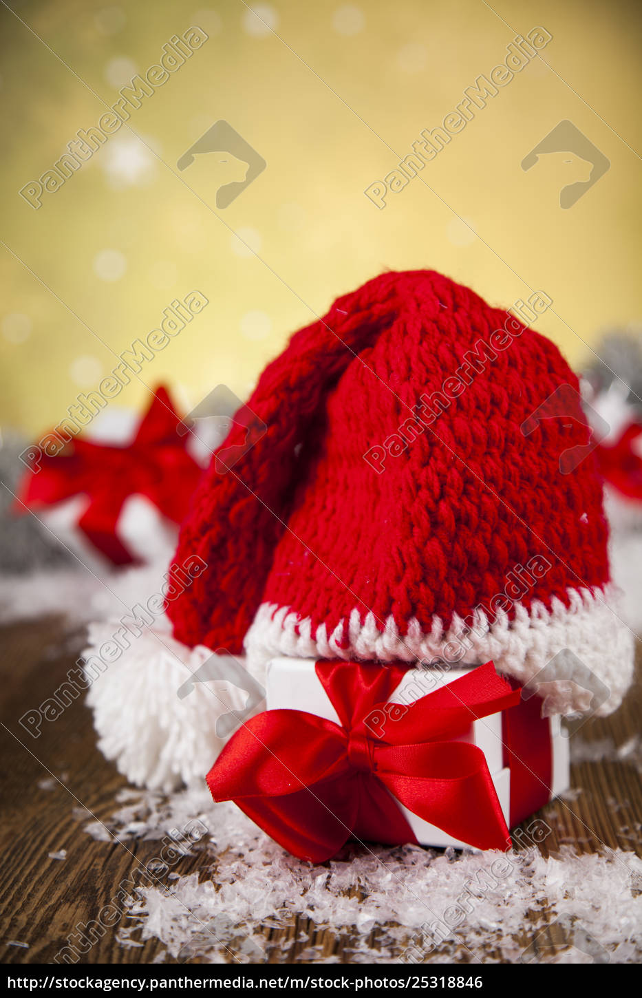 red, santa, hat, , holiday, christmas, background - 25318846