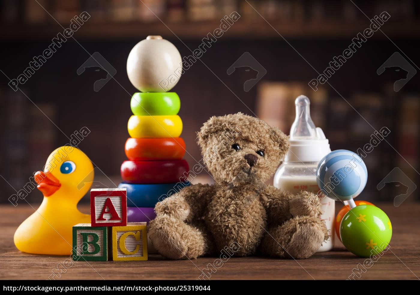teddy, bear, on, on, vintage, wooden - 25319044