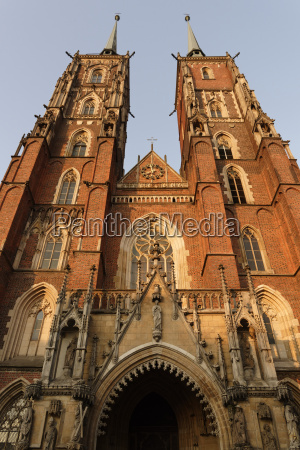 worms eye tower religion church cathedral