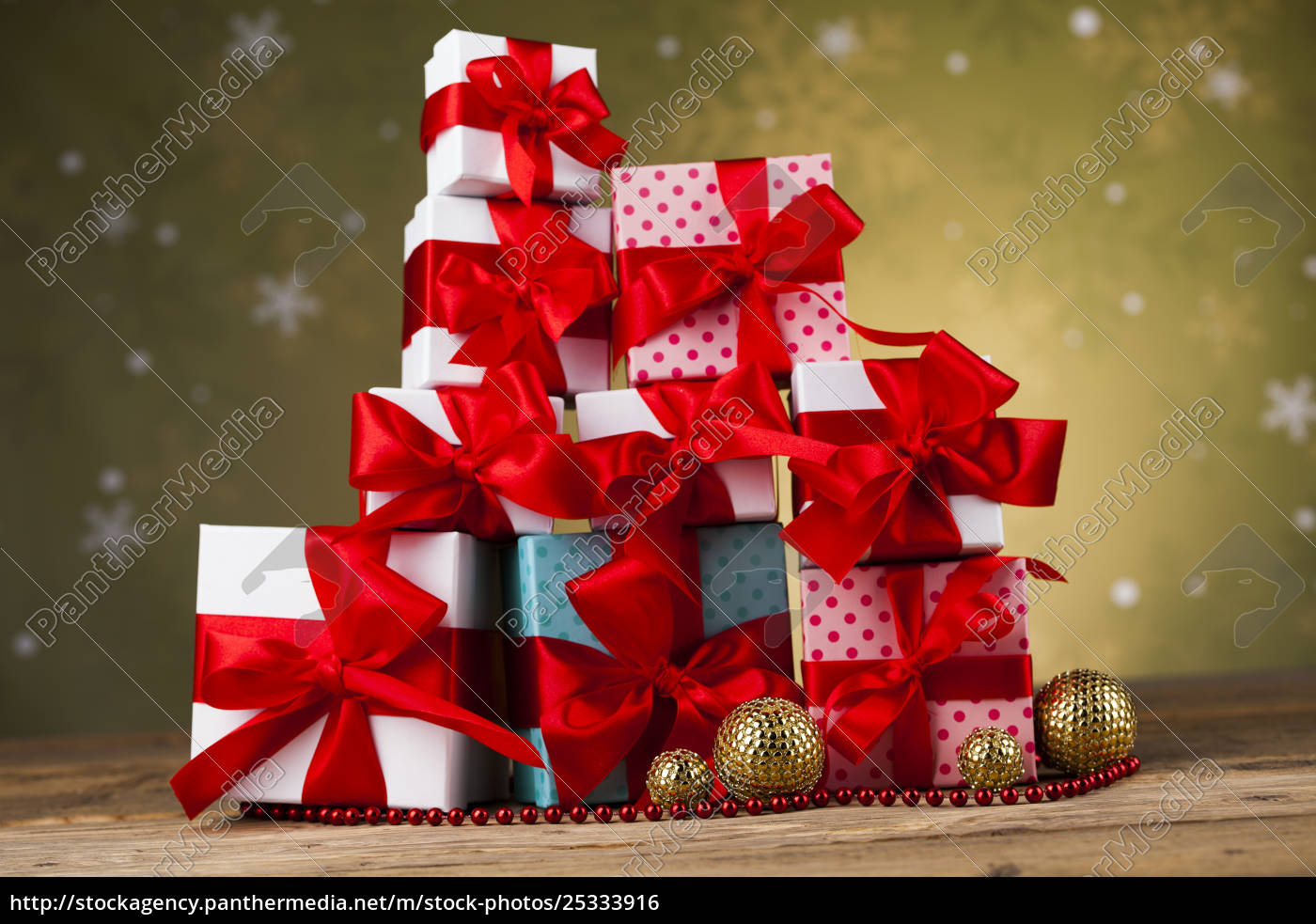 christmas, balls, , gift, box, with, red - 25333916