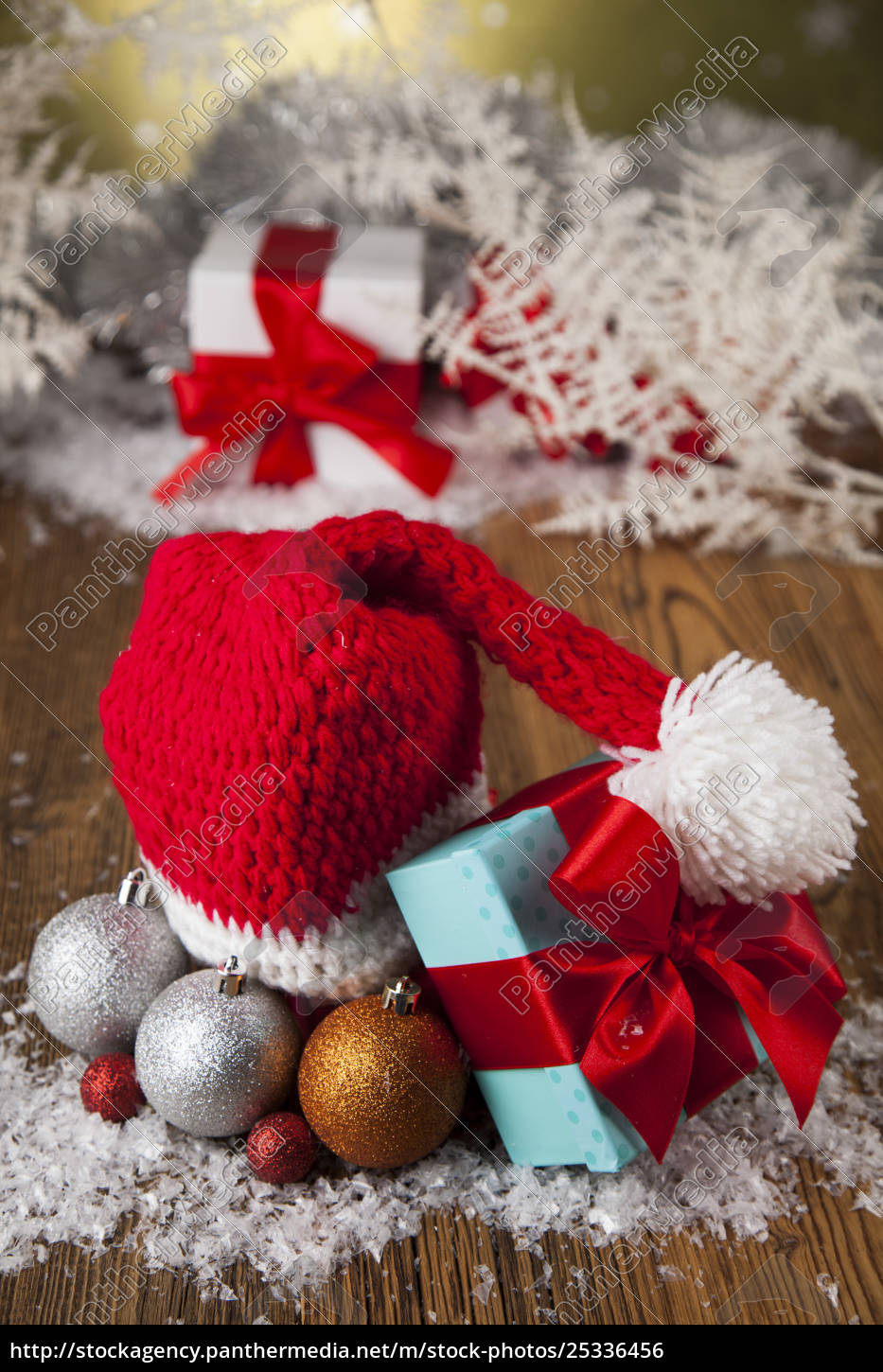 red, santa, hat, , holiday, christmas, background - 25336456