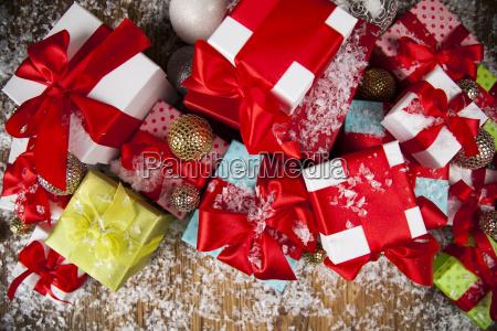 christmas, gift, box, and, balls, on - 25337404