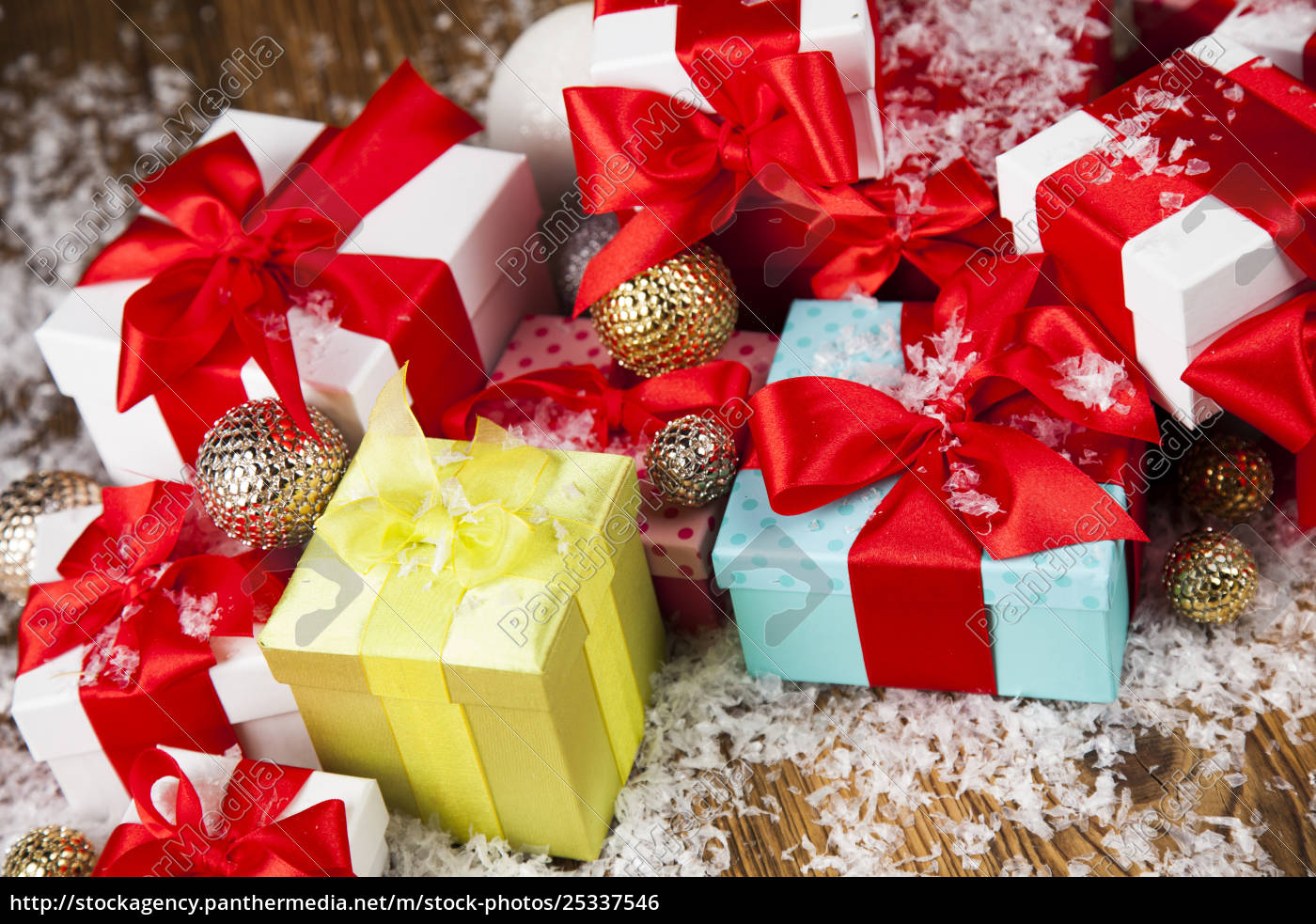 christmastime, celebration, , gift, box, with, red - 25337546