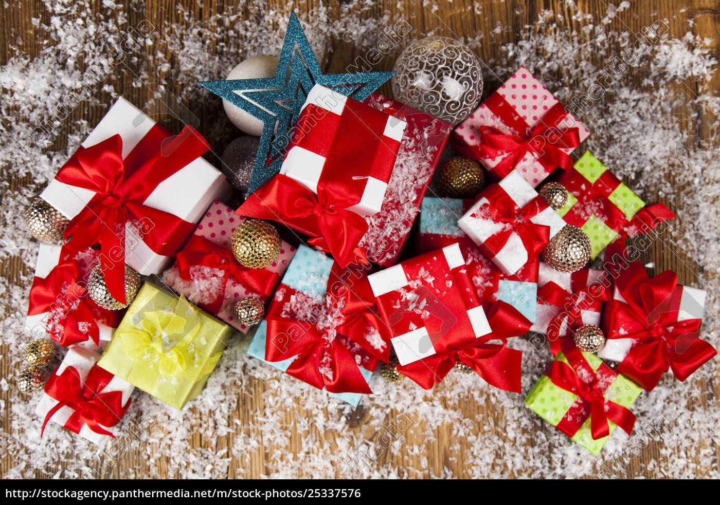 christmastime, celebration, , gift, box, with, red - 25337576