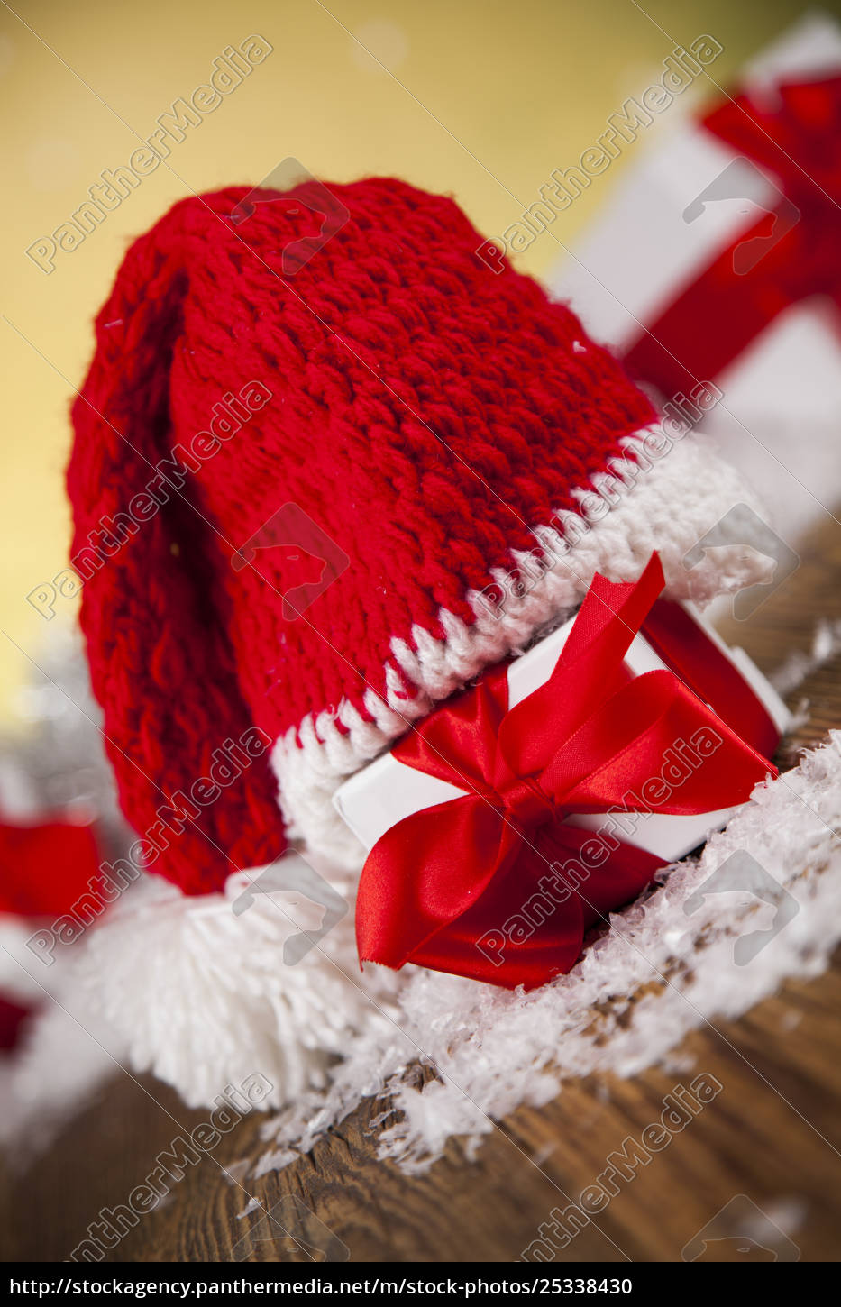 red, santa, hat, , holiday, christmas, background - 25338430