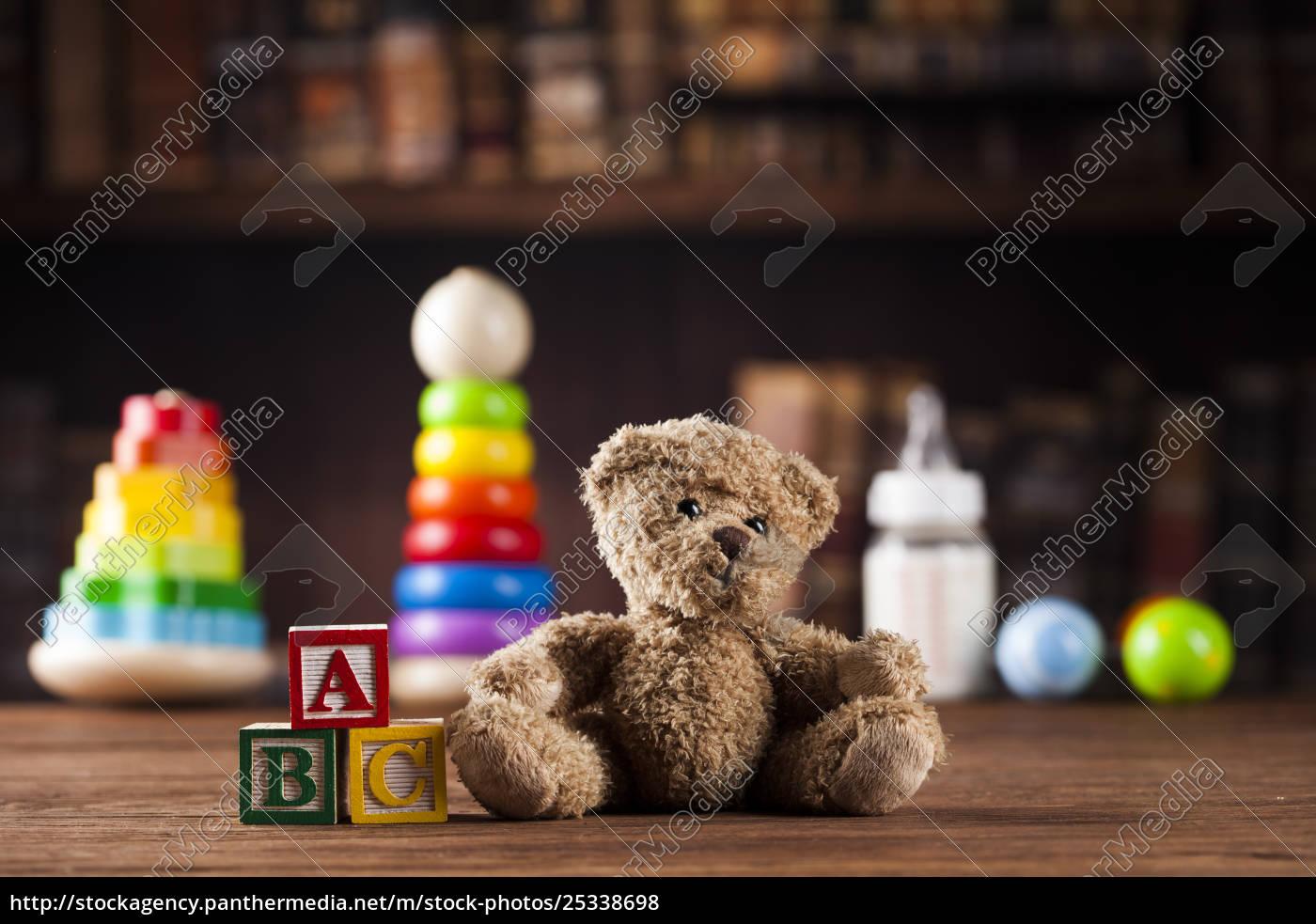 teddy, bear, on, on, vintage, wooden - 25338698