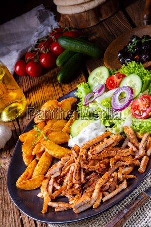 rustic, gyros, plate, with, green, salad - 25349170