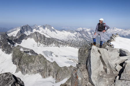 mountaineers on the summit of schwarzenstein