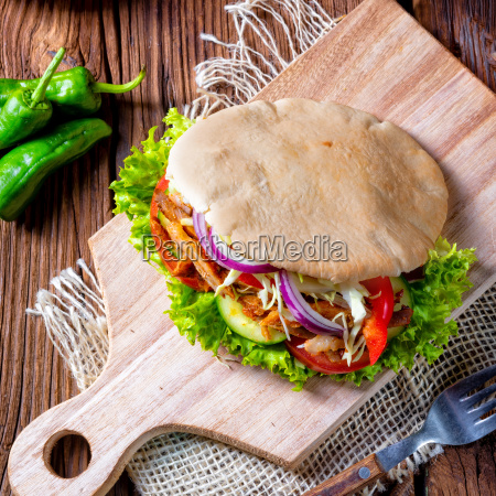 crunchy, pita, with, grilled, gyros, meat. - 25383798