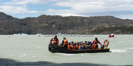 tour boat in grey lake torres
