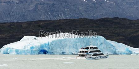 moreno glacier and lake argentino los