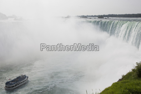 the maid of the mist boat