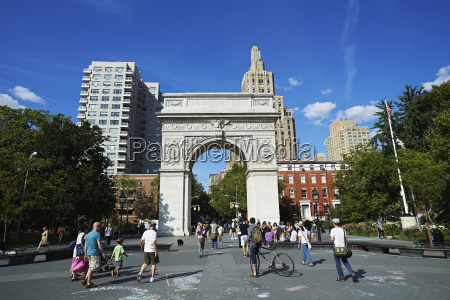 washington square arch in washington square