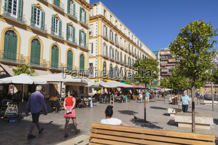 cafe life in plaza de la