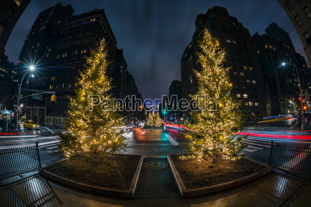 christmas decorations on park avenue new