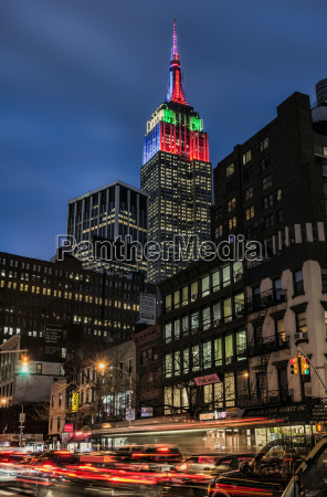 empire state building in christmas and