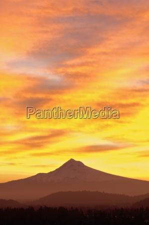 sunrise over mount hood portland oregon