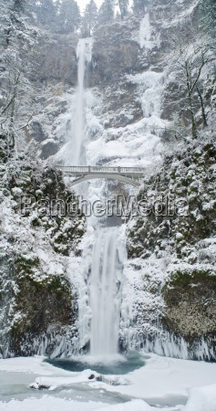 multnomah falls in winter panorama columbia