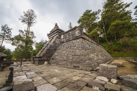 pyramidal structure atop candi cetho a