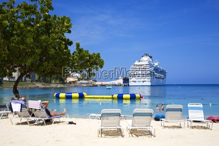 beach at island village entertainment complex