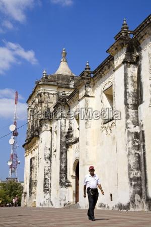 basilica cathedral de la asuncion leon