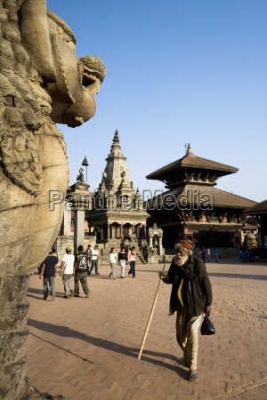 tourists at durbar square bhaktapur nepal