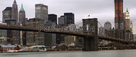 the brooklyn bridge and manhattan new