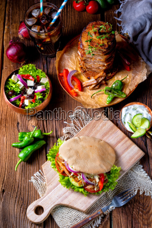 crunchy, pita, with, grilled, gyros, meat. - 25425426