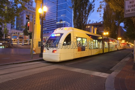 max train traveling through pioneer courthouse