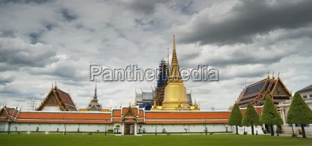 royal temple wat phra kaew bangkok