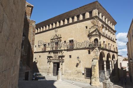 palacio de los duques de san
