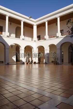 courtyard in the museo del cabildo