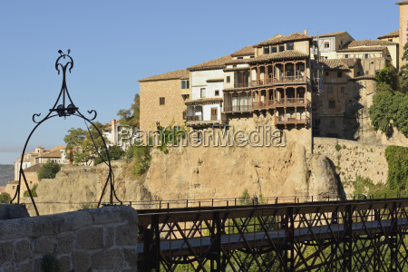 hanging houses built in the 15th