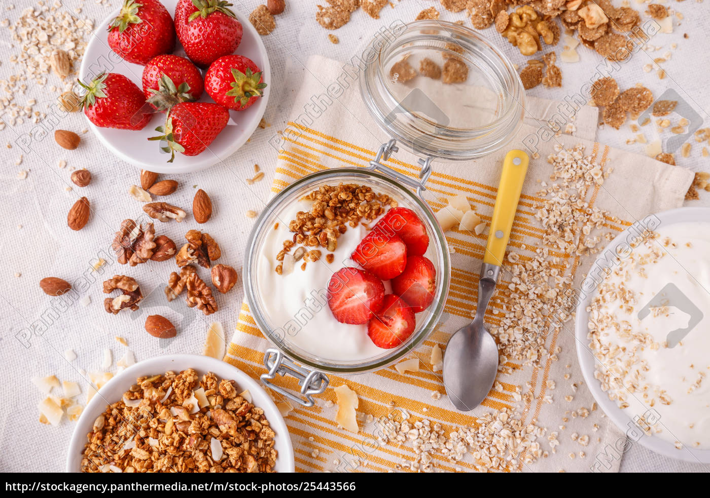 healthy, breakfast, in, a, glass, jar - 25443566