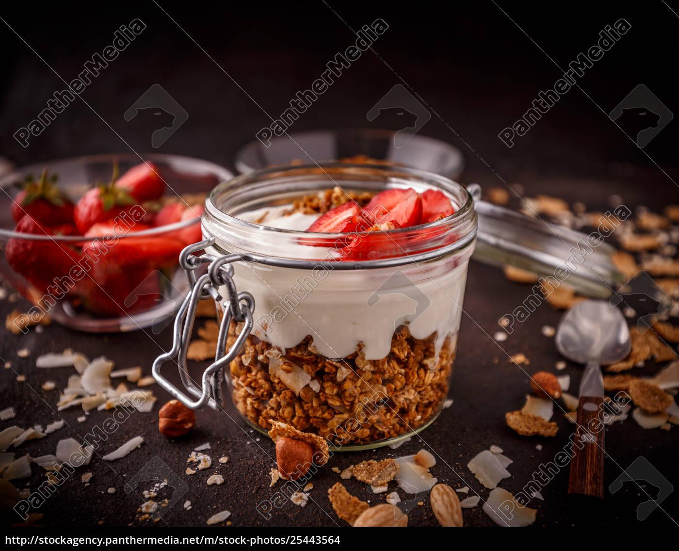 homemade, granola - 25443564